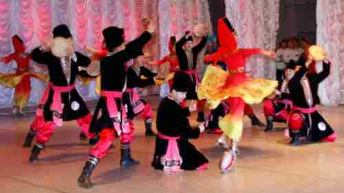 مجموعه آهنگ های شاد محلی تاجیکی